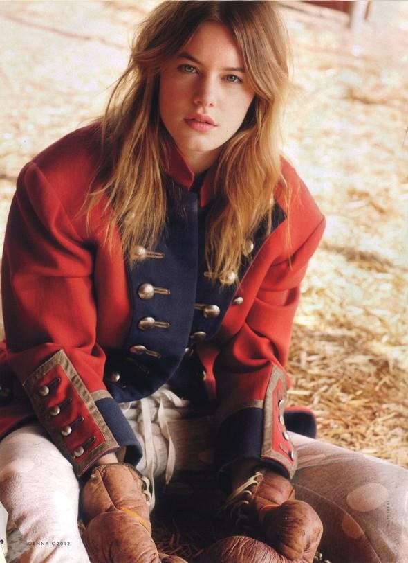 Съёмка: Камилла Рове для Elle. Изображение № 1.