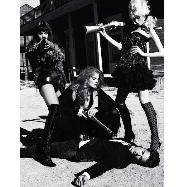 Гид по новому номеру французского Vogue под редакцией Тома Форда. Изображение № 11.