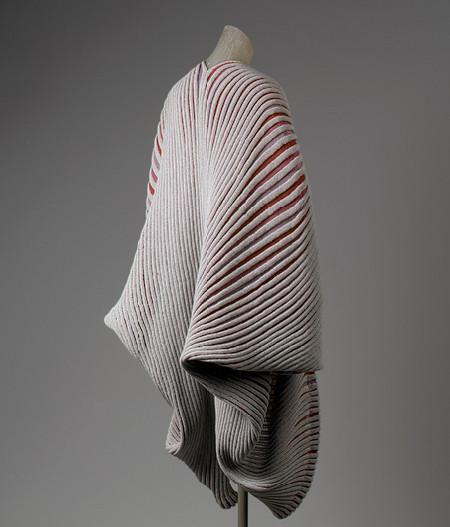 """Пальто """"Морская раковина"""", Issey Miyake, 1985, The Metropolitan Museum of Art. Изображение № 6."""