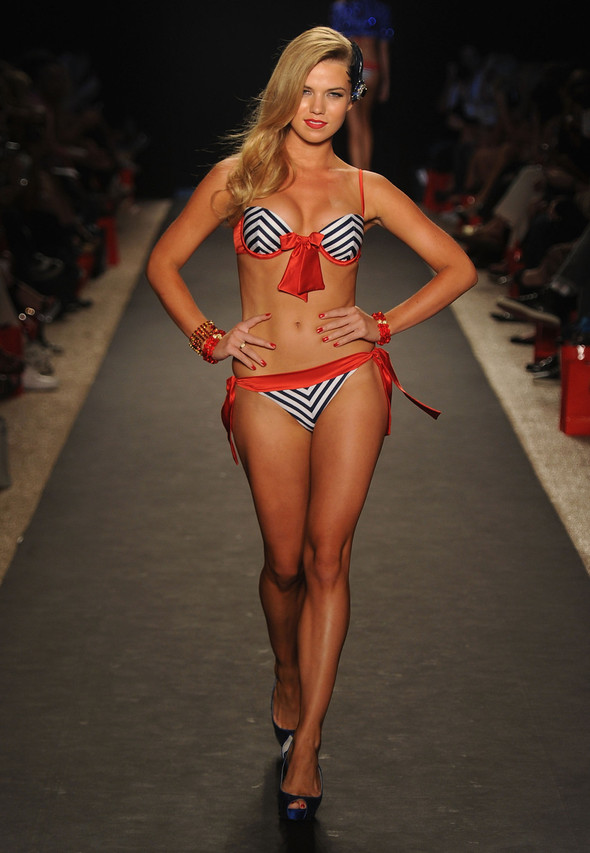 Купальный сезон 2012: Mercedes-Benz Fashion Week Miami [SWIM]. Изображение № 26.