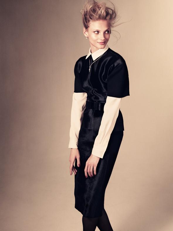 Съёмка: Анна Селезнёва для японского Vogue. Изображение № 4.
