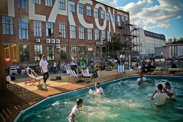 """Территория Дизайн-завода """"Флакон"""". Бассейн Action! Pool. Изображение № 2."""