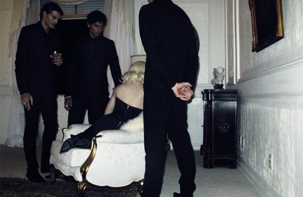 Madonna. Гулять такгулять. Изображение № 2.