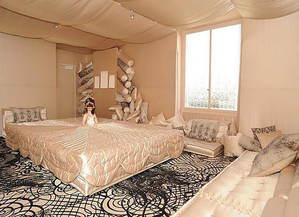 Жан-Поль Готье создает коллекцию мебели. Изображение № 1.