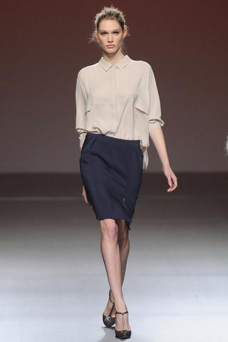 Ирина Николаева на показах Mercedes-Benz Fashion Week Madrid. Изображение №29.