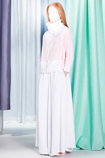 A.P.C., Chanel, MM6, Mother of Pearl, Paule Ka и Yang Li выпустили новые лукбуки. Изображение № 55.