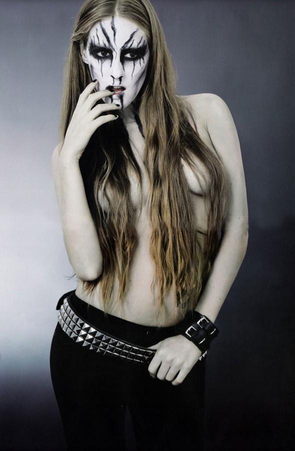 Блек-металлические барби, D-Mode, май'08. Изображение № 5.