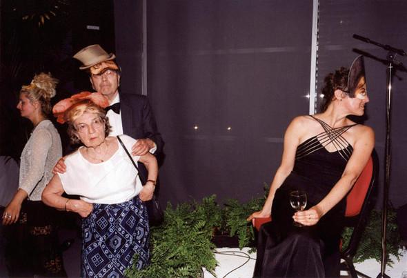 Короли вечеринок: 10 фотографов, снимающих светские и молодежные тусовки. Изображение № 92.