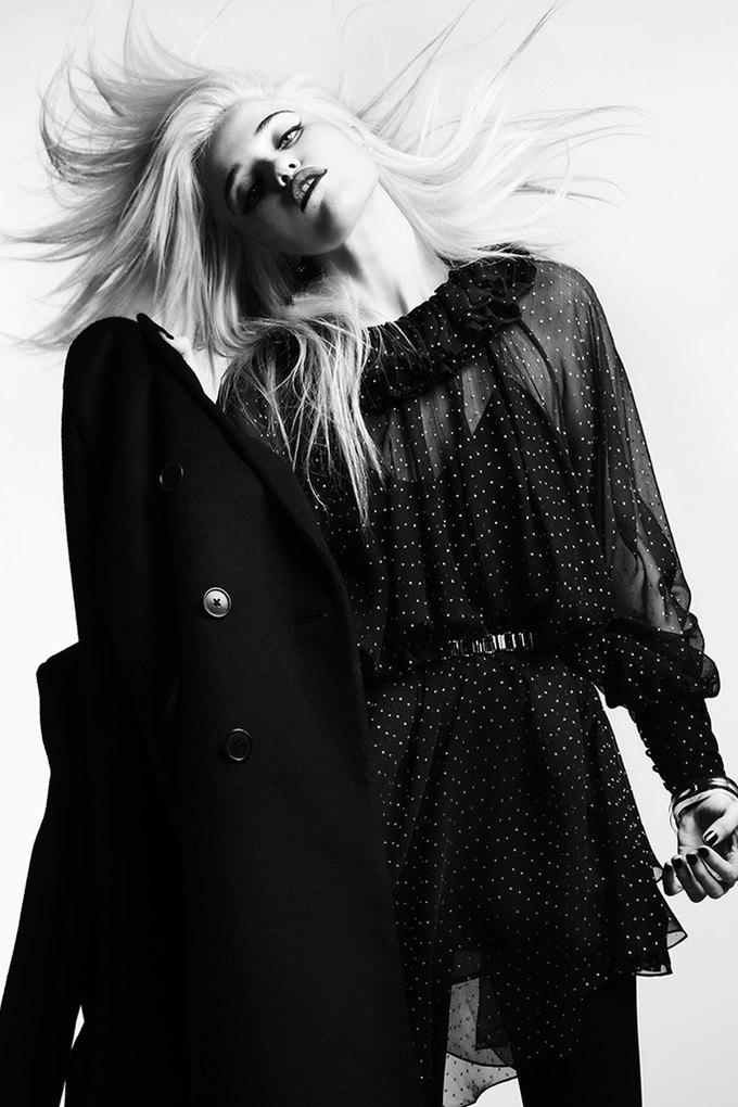 Скай Феррейра снялась для предосеннего лукбука Saint Laurent . Изображение № 1.
