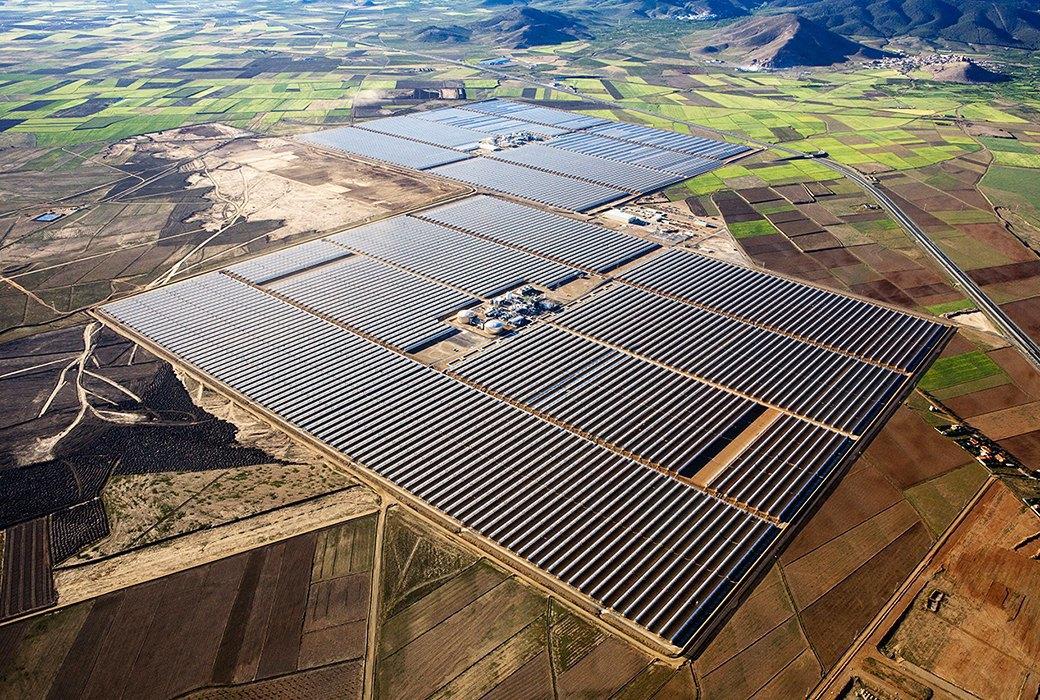 Как выглядит будущее: сотни гектаров солнечных ферм. Изображение № 2.