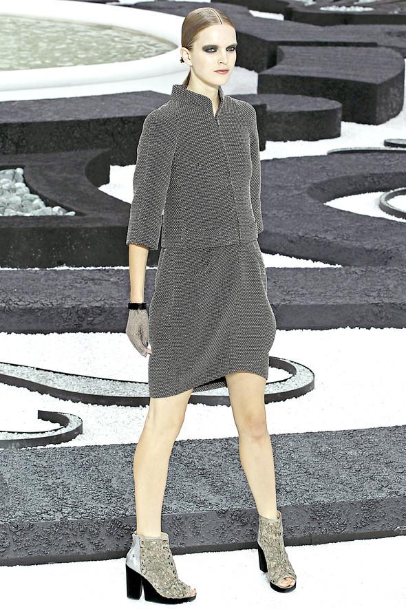 Карл Лагерфельд показал одну из самых красивых коллекций, когда-либо созданных для Chanel. Изображение № 7.