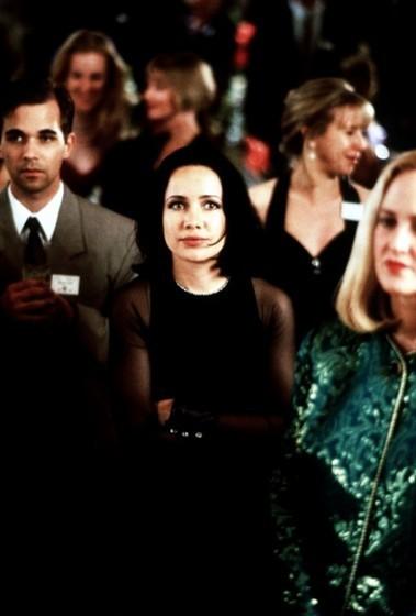 Роми и Мишель на встрече выпускников. Изображение № 6.