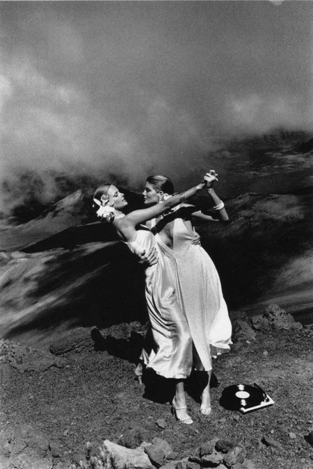 Helmut Newton-гурман женской плоти. Изображение № 9.