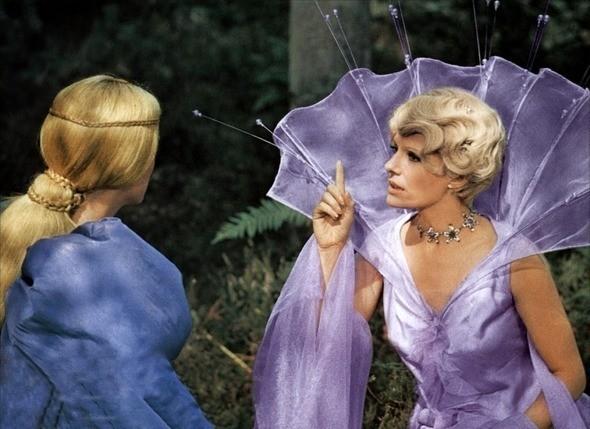 Кадр из фильма «Ослиная шкура». Изображение № 3.