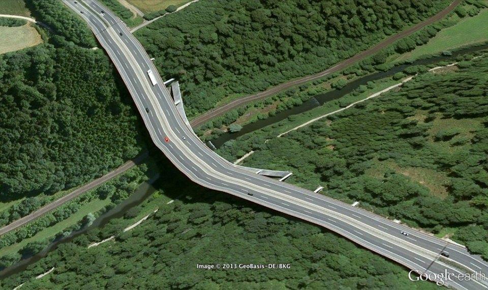32 фотографии из Google Earth, противоречащие здравому смыслу. Изображение № 32.