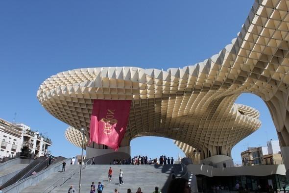 Изображение 11. Metropol Parasol: Самая большая деревянная конструкция в мире.. Изображение №11.
