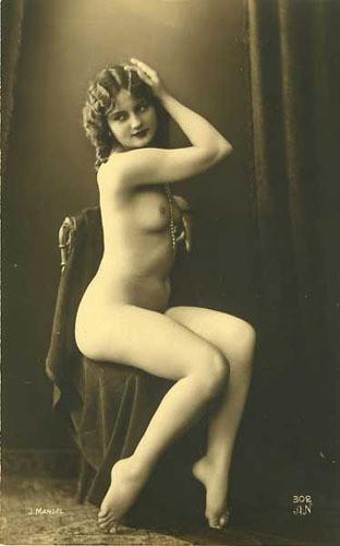 Части тела: Обнаженные женщины на винтажных фотографиях. Изображение № 12.