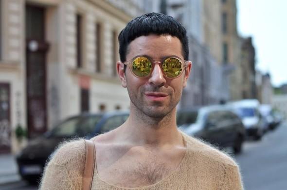 Michael,Berlin, стилист, по совместительству блоггер, посещает мероприятия с профессиональным интересом:. Изображение № 1.
