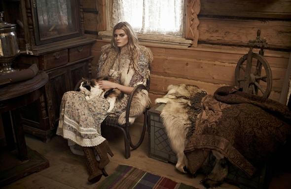 Съёмка: Марина Линчук для российского Vogue. Изображение № 9.