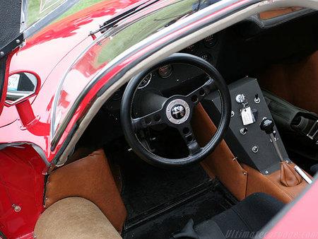 Alfa Romeo 33 Stradale. Изображение № 8.