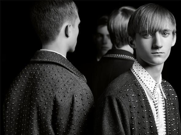 Prada Fall-Winter 2009–2010 Mens AdCampaign. Изображение № 1.