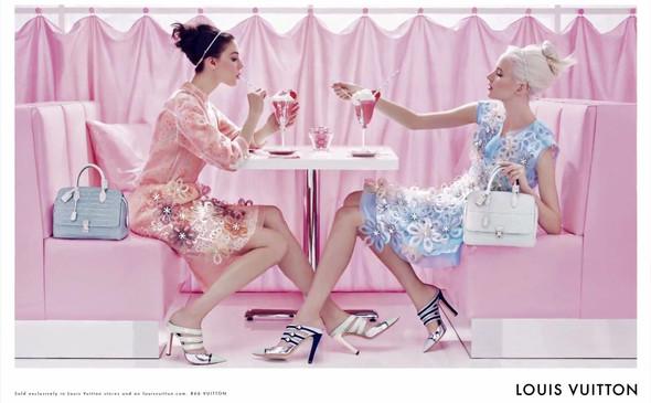 Кампания: Louis Vuitton SS 2012. Изображение № 4.