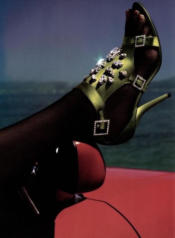 Архивная съёмка: Мерт и Маркус для Vogue, 2005. Изображение № 10.