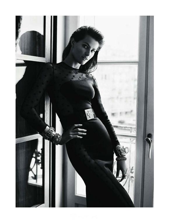 Съемка: Изабели Фонтана для Vogue Paris. Изображение № 5.