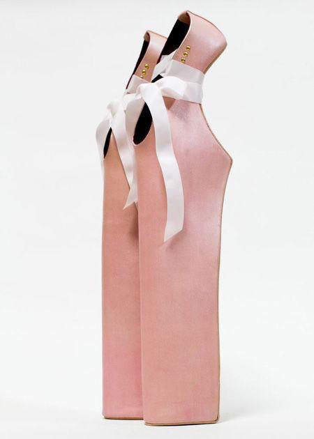 FIT откроют выставку обуви Гаги и Кирквуда. Изображение № 5.