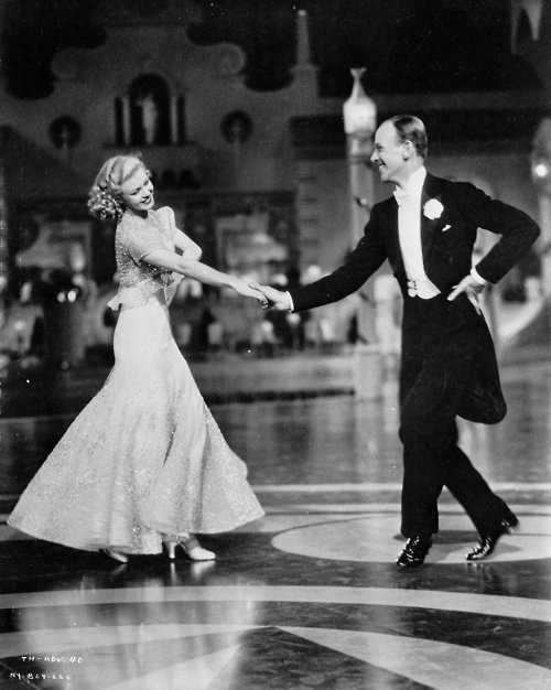 Top hat (1935)   Mark Sandrich .  Fred Astaire Ginger Rogers Edward Everett Horton /. Изображение № 11.