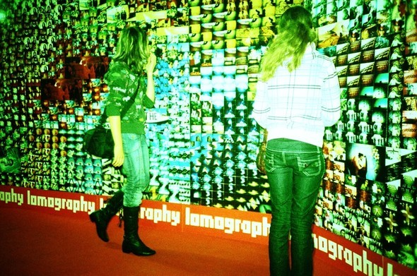 Этовам неигрушки! ИлиЛомография наФотоярмарке'09. Изображение № 54.