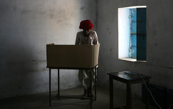 100 лет выборов в документальных фотографиях. Изображение № 117.