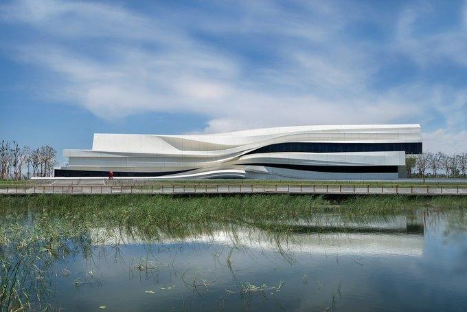 Архитектура дня: музей в Китае сбелым «слоёным» фасадом. Изображение № 1.