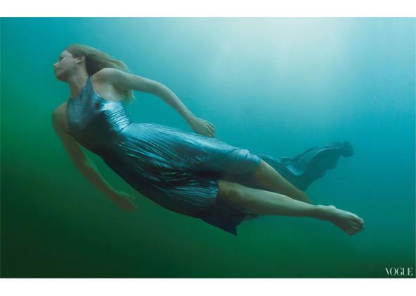 Шарлиз Терон для американского Vogue, декабрь 2011. Изображение № 154.