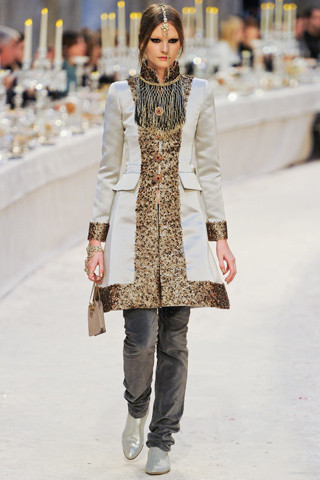 Chanel показали пре-осеннюю коллекцию. Изображение № 51.
