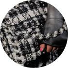 Кутюр в деталях: Цветы, пайетки и пух на показе Chanel. Изображение № 19.