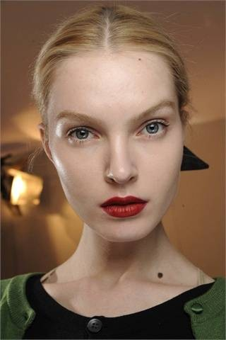 Red lipstick. Изображение № 34.