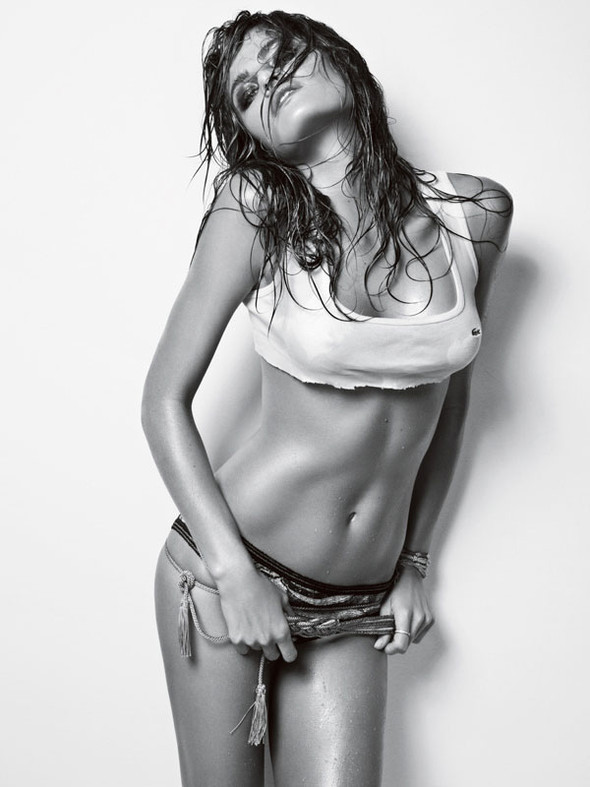 Vogue Homme Brazil Isabeli Fontana by Jacques Dequeke. Изображение № 10.