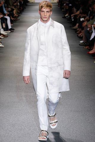 Неделя мужской моды в Париже: День 3. Изображение № 18.