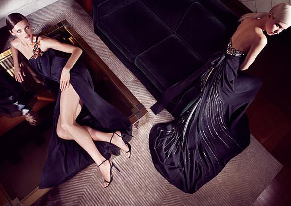 Кампании: Dior, Versace, Gucci и Burberry. Изображение № 24.