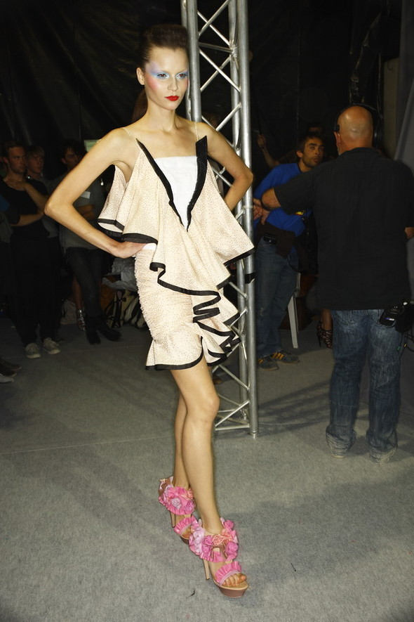 Viktor&Rolf ss2010! Brilliant backstage!. Изображение № 18.