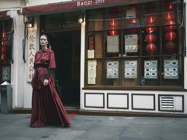 A.P.C., Chanel, MM6, Mother of Pearl, Paule Ka и Yang Li выпустили новые лукбуки. Изображение № 124.