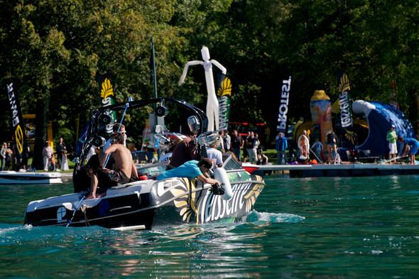 Озеро Анси во Франции. Изображение № 16.