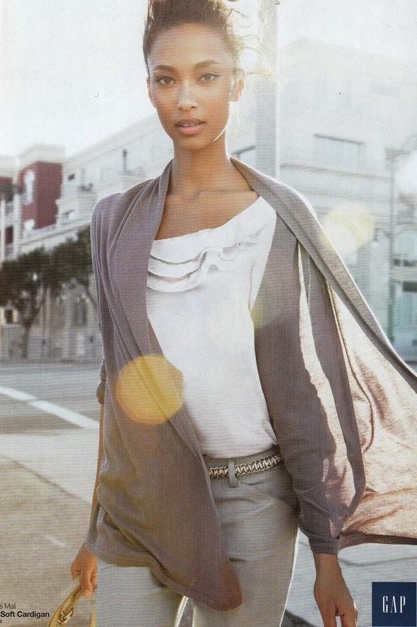 Изображение 3. Рекламные кампании: Gap, Corsocomo и другие.. Изображение № 17.