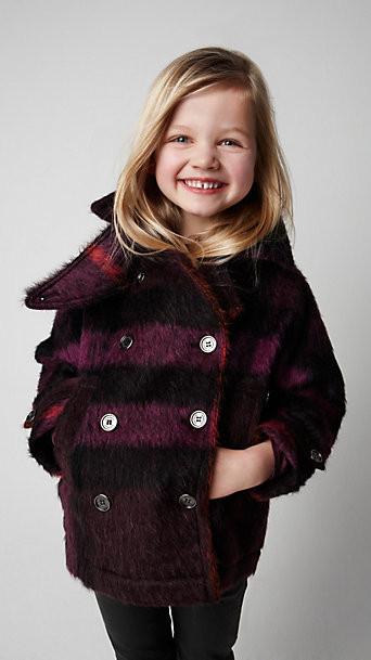 Все лучшее детям: лукбуки D&G, Gucci, John Galliano, Burberry. Изображение № 17.