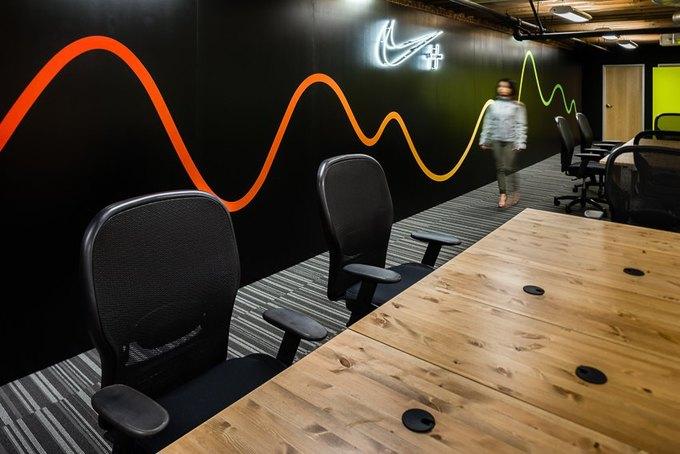 Опубликованы первые фотографии стартап-лаборатории Nike+ Fuel Lab. Изображение № 4.