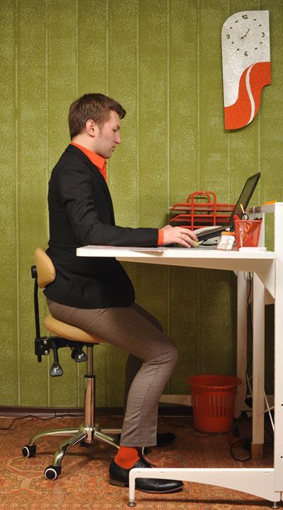 Современный образ жизни создает новый вид стульев. Изображение № 3.