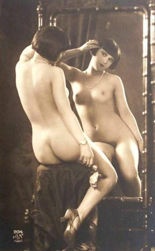 Части тела: Обнаженные женщины на винтажных фотографиях. Изображение №13.