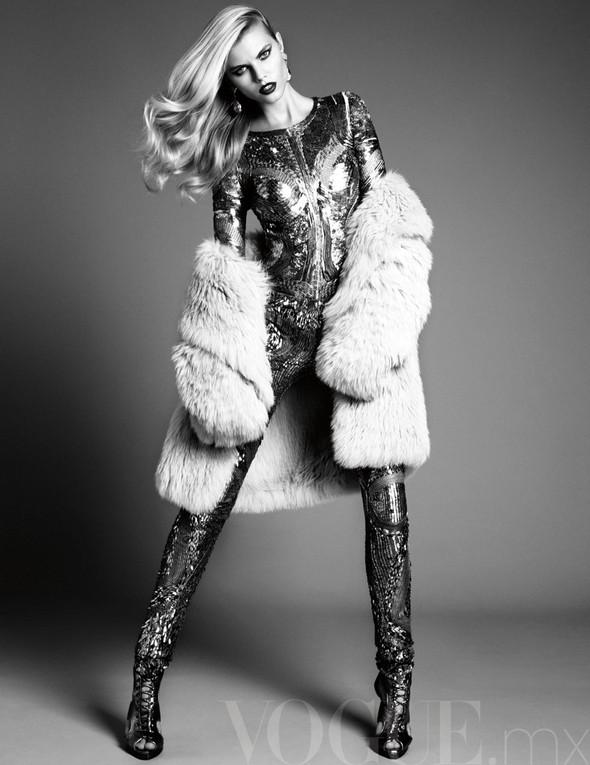 Съёмка: Марина Линчук для Vogue. Изображение № 4.