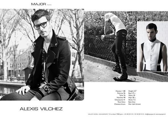 Show Package – Paris Men SS10: Major. Изображение № 5.